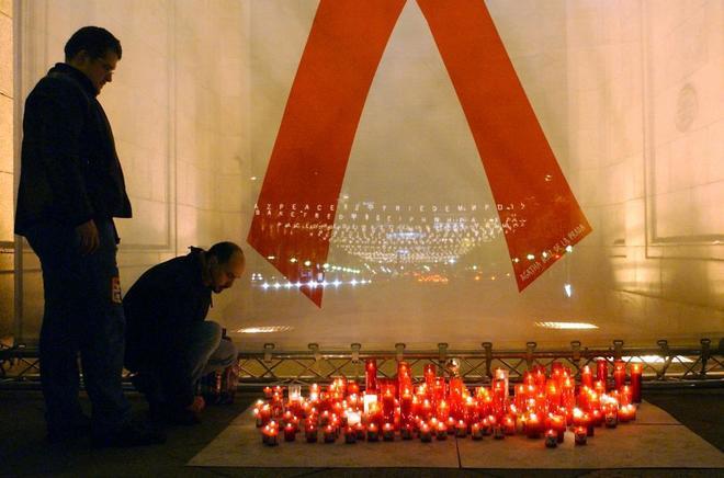 10 nuevos casos de VIH al día en España