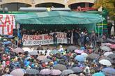 Manifestación en contra de las detenciones por agredir a los guardias...