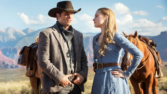 James Marsden (Teddy en 'Westworld') y Evan Rachel Wood (Dolores), en...