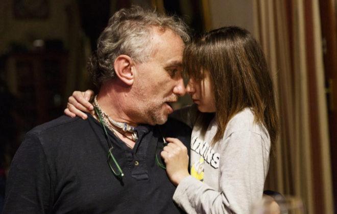 Fernando Blanco, el padre de Nadia Nerea, junto a la pequeña.