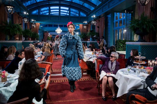 El Hotel Ritz volvió a acoger las creaciones de Chanel después de...