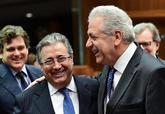 Juan Ignacio Zoido, hoy en Bruselas con el comisario de Migración...