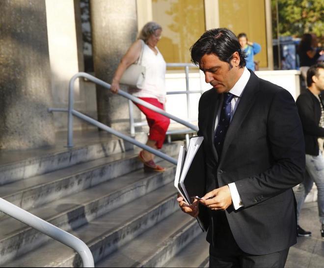 Santiago Alarcó, ex cuñado de Rodrigo Rato, a su llegada a los Juzgados de Plaza de Castilla para prestar declaración.