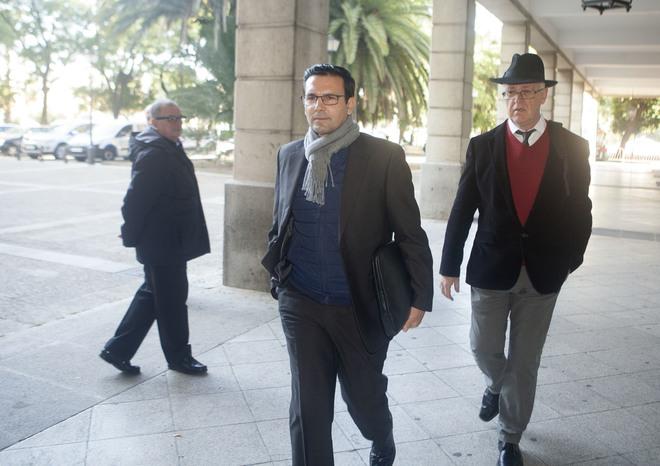 El alcalde de Granada, el socialista Francisco Cuenca, en los juzgados de Sevilla