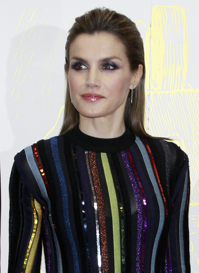 La Reina Letizia durante la entrega de los Premios Mariano de Cavia.