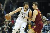 El MVP Marc Gasol lideró a los Grizzlies con 17 puntos, 11 rebotes, 3...
