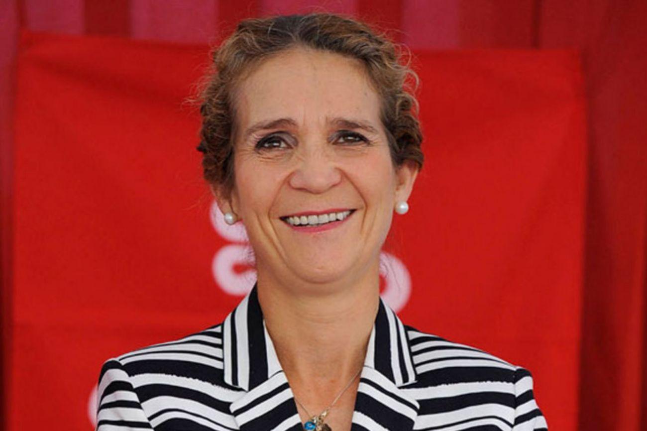 Elena María Isabel Dominica de Silos de Borbón y Grecia es la primogénita de Don Juan Carlos y Doña Sofía. Ostenta el título de duquesa de Lugo y es la tercera en la línea de sucesión, por detrás de sus sobrinas la Princesa Leonor y la Infanta Sofía.
