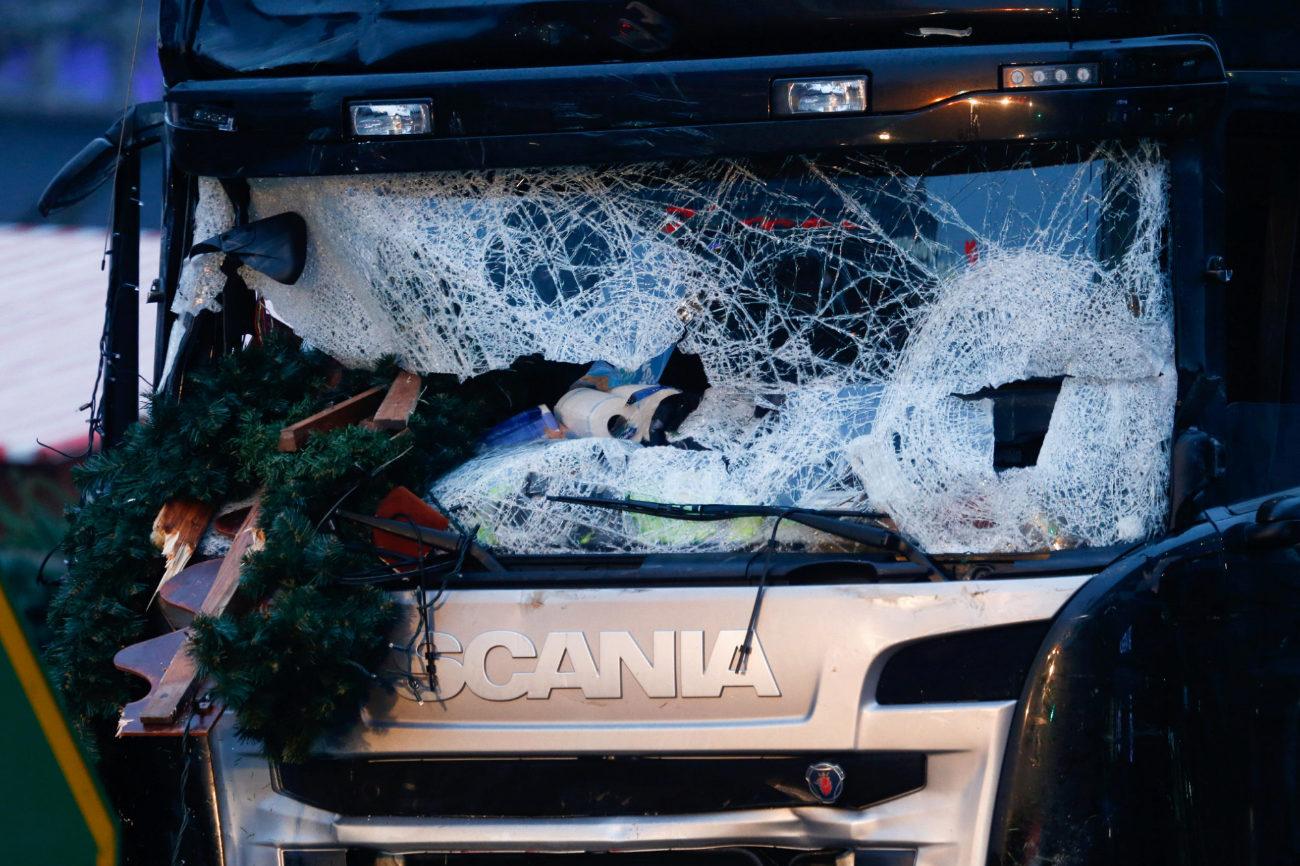 Hacia las 20.30 h de la noche, un camión ha irrumpido en un mercadillo de Navidad en Berlín.