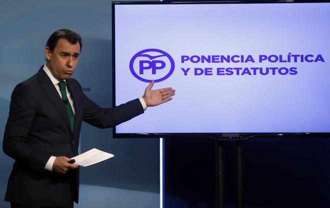 Fernando Martinez Maillo durante la presentación de las líneas...