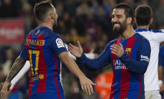 Alcácer y Arda celebran el quinto gol de la noche ante el Hércules.