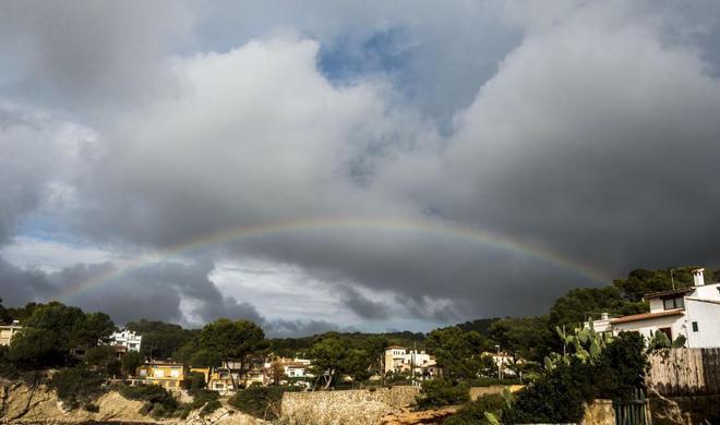Arcoiris en San Telmo, en Mallorca, tras remitir el temporal de...