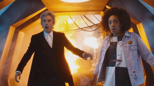 Peter Capaldi y Pearl Mackie. en 'Doctor Who'.