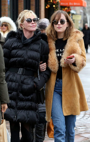 Melanie Griffith y Dakota Johnson en Aspen.