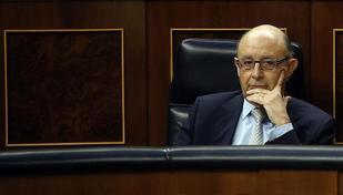 El ministro de Hacienda, Cristóbal Montero, en un pleno en el...