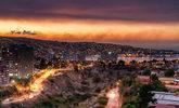 Nube de humo sobre la ciudad de Valparaíso (Chile). El incendio, que...