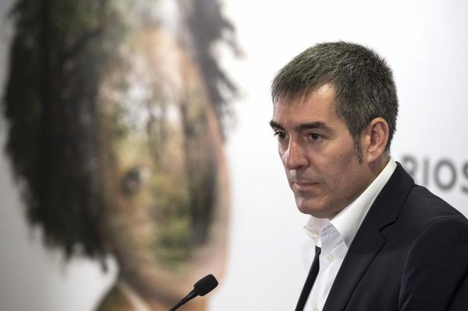Fernando Clavijo, presidente del Gobierno canario, al dar a conocer...