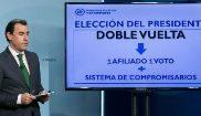 Fernando Martínez-Maillo, en la presentaciçón de la Ponencia...