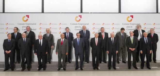 Reunión para la constitución del Consejo Empresarial para la competitividad en la sede de Telefónica en Madrid, en 2011.