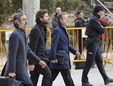 Oleguer Pujol, rodeado por sus abogados a su llegada a la Audiencia...