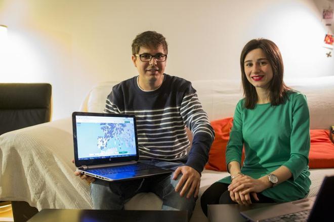 Pablo Belmonte y Elisa Ainoza son los creadores de la página web 'www.diseasesmaps.org/es', que pone en contacto a pacientes con enfermedades raras.