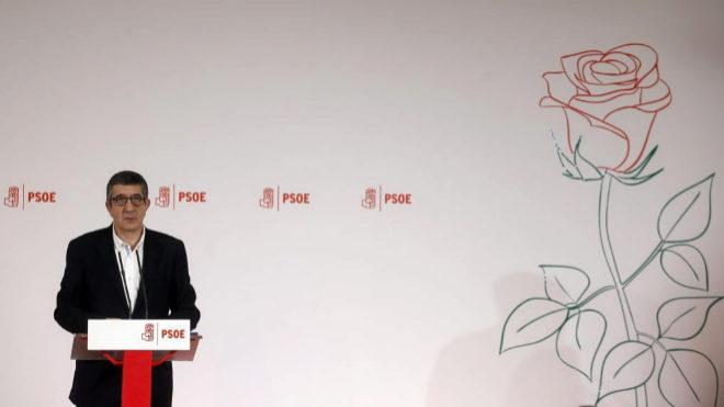 """Patxi López aspira a liderar un PSOE """"unido""""  y referente  de """"una izquierda exigente"""" y """"sin complejos"""""""