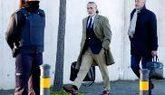 Francisco Correa, llegando ayer junto a su abogado a la sede del...
