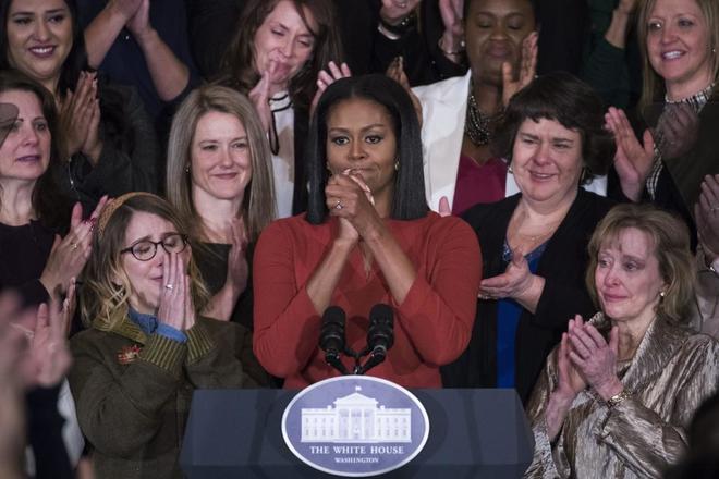 Michelle Obama pronuncia un discurso durante un acto educativo en la Casa Blanca, Washington