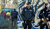 La Policía, en el descampado de Madrid donde se reunían los...