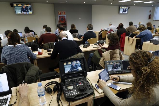 Los periodistas siguen desde la Audiencia Nacional la declaración de...