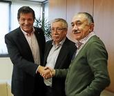 El presidente de la Gestora del PSOE, Javier Fernández, el pasado...