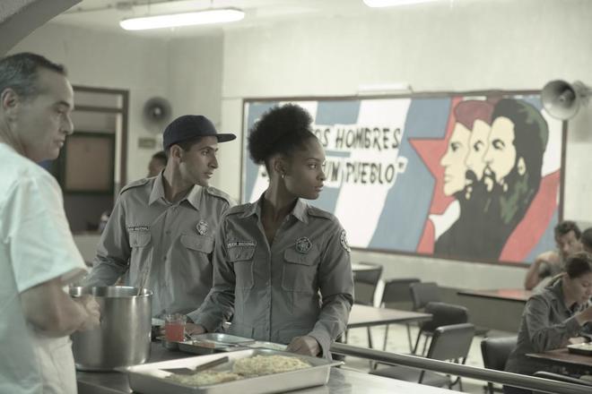 Un cartel de homenaje a la Revolución cubana, en esta serie.