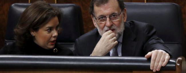 Mariano Rajoy y Soraya Sáenz de Santamaría, esta mañana en sus...