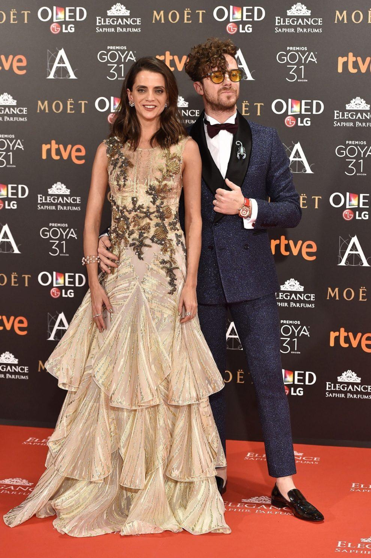 Macarena con vestido de Alberta Ferrreti Ltd Edition, sandalias de...