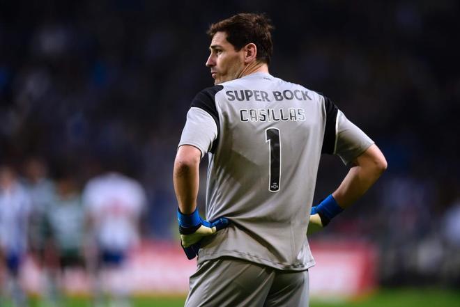 Iker Casillas durante el encuentro Oporto vs Sporting.