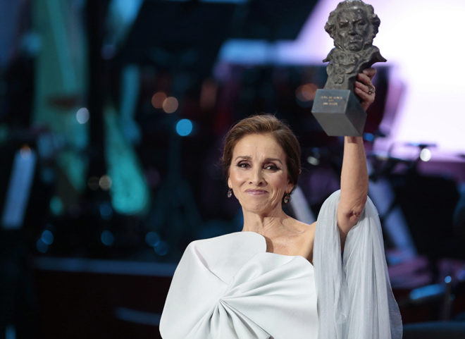Ana Belén con su Goya de Honor en la gala.