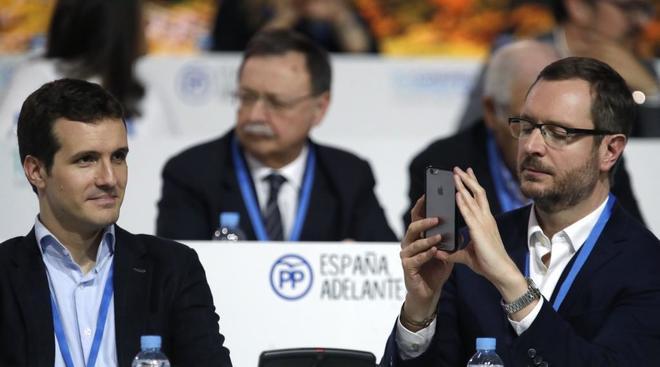 Pablo Casado y Javier Maroto durante el el XVIII Congreso nacional del...