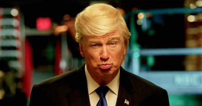Alec Baldwin, imitando a Donald Trump en 'Saturday Night Live'.