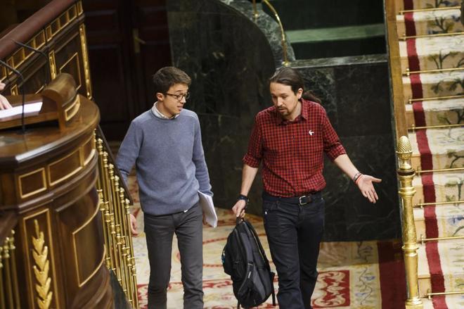 Íñigo Errejón y Pablo Iglesias a su llegada al Congreso de los...