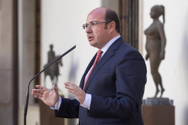 Pedro Antonio Sánchez, en una rueda de prensa tras conocerse que el...