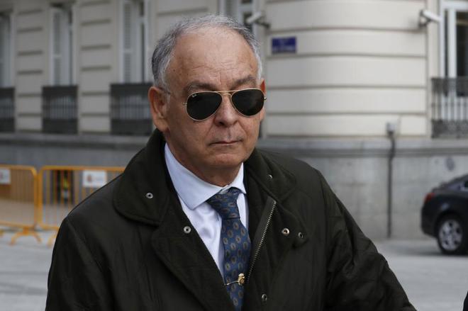 El ex número dos de la Policía Eugenio Pino, a su salida de la...