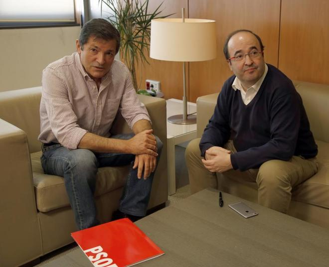 Javier Fernández y Miquel Iceta, en una reunión celebrada el pasado noviembre.
