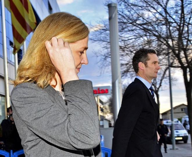 La Infanta Cristina y su esposo Iñaki Urdangarin en 2016 en Palma de...