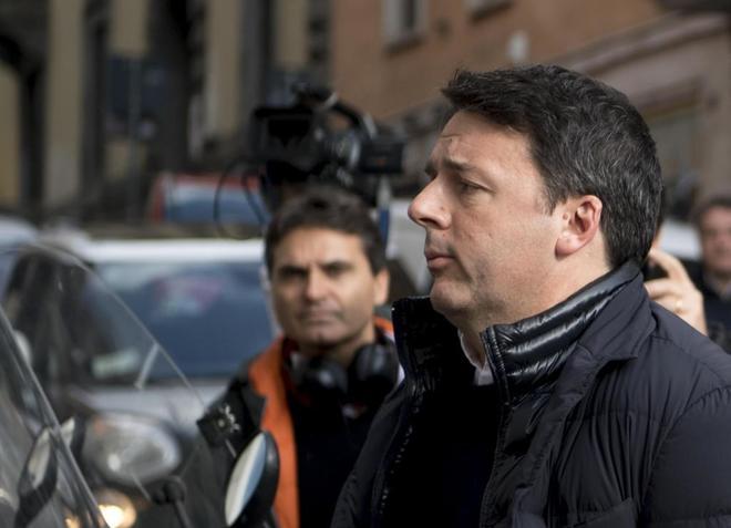 El ex primer ministro de Italia Matteo Renzi, a su llegada a una reunión de su partido en Roma, el 13 de febrero