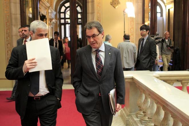 Germá Gordó conversa con Artur Mas en el Palau de la Generalitat de...