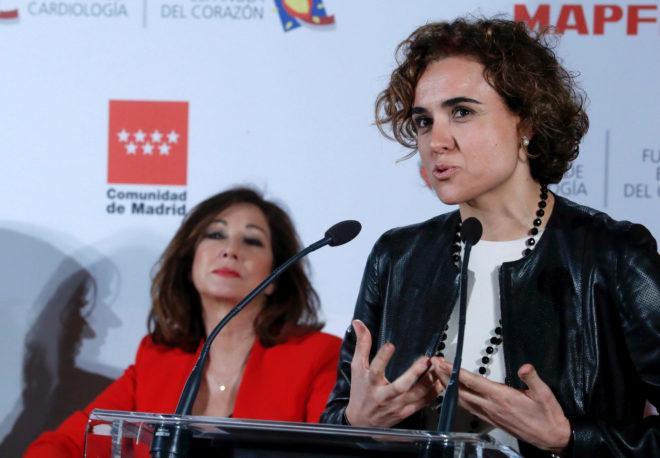 La ministra Dolors Montserrat durante un acto en Madrid en la campaña 'Mujeres por el corazón'.