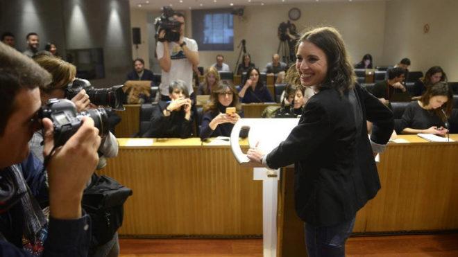 Pablo Iglesias manda a Errejón a la segunda fila y a sus afines al gallinero del Congreso