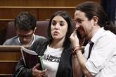 Irene Montero y Pablo Iglesias en el Congreso de los Diputados durante...