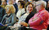 Las alcaldesas Manuela Carmena (Madrid), Ada Colau (Barcelona) y Joan...