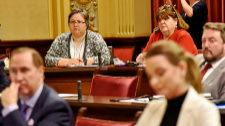 El Parlament estudia si es un chollo que te expulsen de Podemos como diputada
