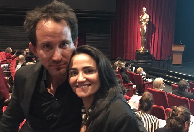 El director Marcel Mettelsiefen con su pareja, la española Mayte Carrasco.